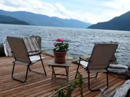 Mcewan Point - Lakefront Cabin - Kootenay Lake