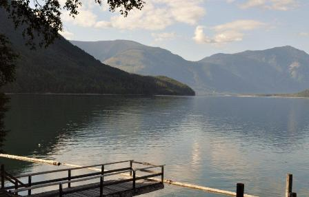 Arrow Lake Cabins - Nakusp