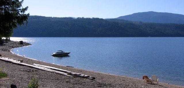 Shuswap Lake Beach - Albas
