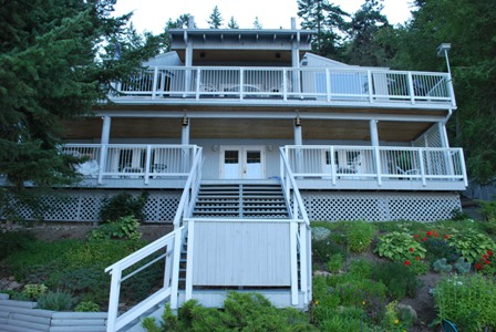 Lakefront Cottage For Rent - Okanagan Lake