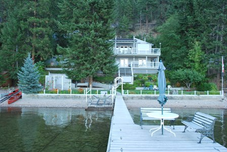 Waterfront Cottage on Okanagan Lake at Carr's Landing