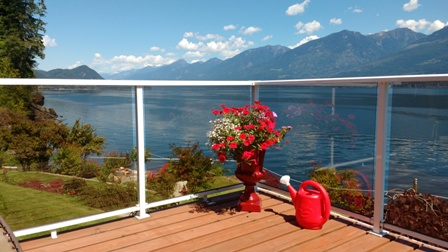 Ainsworth Gathering House - Lakefront Vacation Home - Kootenay Lake