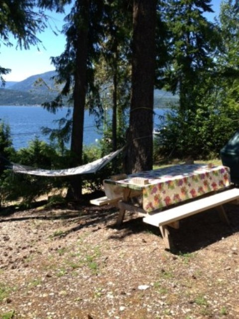 Eagle Bay Cabin For Rent - Shuswap Lake
