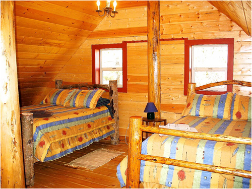 3 Bedrooms in cabin sleeps 8